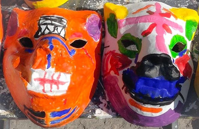 Faschingsmasken aus Pappmache