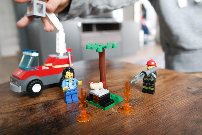 wir spielen jetzt wie die gro en von lego duplo zu den. Black Bedroom Furniture Sets. Home Design Ideas